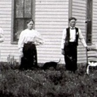 William Naysmith farm  home  with George & Anna Golden Abt 1898.JPG
